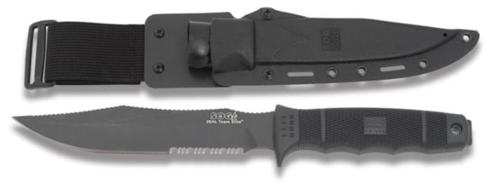Die Klinge im Detail und das Messer in sicherer Verwahrung durch seine Kydex-Scheide